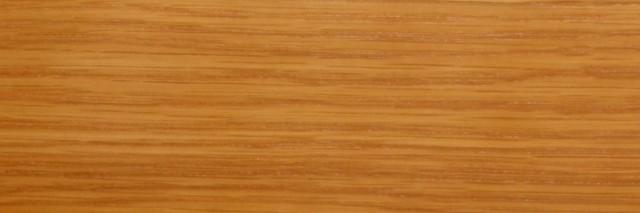 Dąb z widocznym usłojeniem drewna
